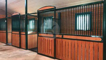 Размеры денника для лошади